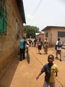 Children outside the second Bonwire kente center